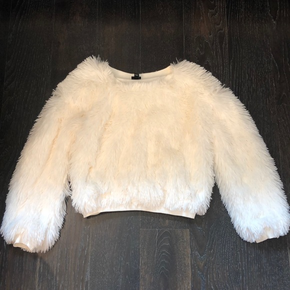 art class Other - Girls White furry sweater